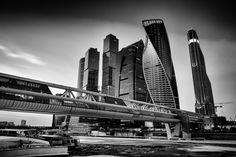 Картинки по запросу чёрно-белое фото Москва Сити