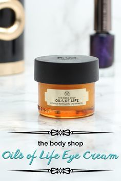 A while ago I had the opportunity to try The Body Shop Oils of Life Eye Cream. This eye cream claims it will help to reduce the appearance of dark circles and wrinkles, help your eye contour to look smoother, and make your eyes look more radiant. Body Shop At Home, The Body Shop, Body Shop Skincare, Cream For Oily Skin, Best Eye Cream, Oil Shop, Eye Contour, Diy Beauty, Beauty Tips
