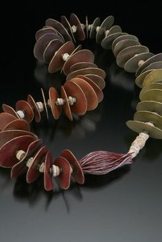 Ronna Sarvas Weltman   Necklaces I just love the way Ronna creates those lovely disks.