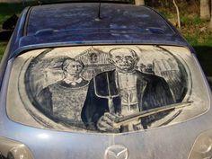Desenho no carro sujo - casal