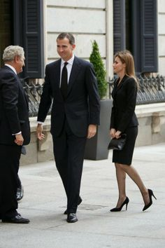 MYROYALS & HOLLYWOOD FASHION: Crown Prince Felipe and Crown Princess Letizia paid their respects to former Prime Minister Adolfo Suarez, March 24, 2014