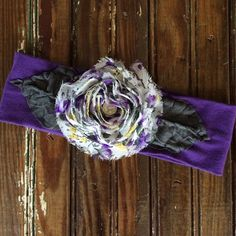 Boutique Flower Headband Beautiful fabric headband in perfect condition! Accessories Hair Accessories