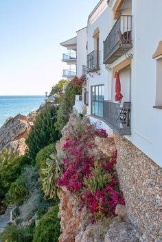 Soaking up the sun in Costa Del Sol // Nerja, Spain • The Overseas Escape