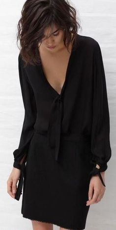Street style | Black long sleeves dress
