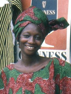 Une couturière souriante à Kpalimé Togo 1986.