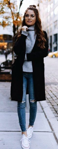 I love oversized outerwear over a simple pair of jeans and a turtleneck. It's simple yet chic.