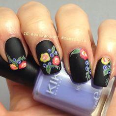 unas decoradas con flores (14)