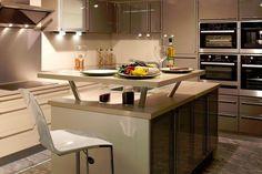 Cuisine ilot central table recherche google future maison cuisine pinterest tables for Les plus beaux ilots de cuisine versailles