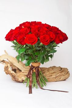 Valentine's Day Gifts to Pakistan  #Flowers #Bouquet #Gifts #BirthdayGifts #Cakes #OnlineGifts #SendGifts