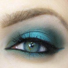 15 Amazing Teal Eye Makeup Ideas Summer Nights – Beautiful Look for Blue, Green Hazel Eyes – Recreate with Turquoise Cyprus Eyeshadows Black Liner Make Up Geek, Eye Make Up, Teal Eye Makeup, Skin Makeup, Beauty Makeup, Mascara, Eyeliner, Gorgeous Eyes, Gorgeous Makeup