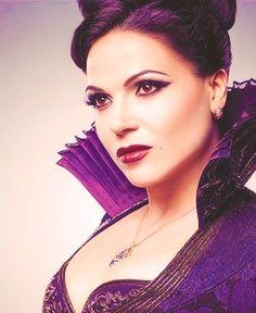 Regina...a beautiful Evil Queen