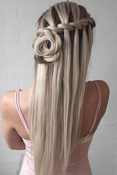 Do you know that a waterfall braid is one of the most adorable elements you can add to your hairstyle? See our image gallery to pick a pretty hairstyle.