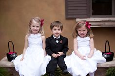 All three children that will be the ringbear and flowergirls are so precious, I will love love photos of them like this.