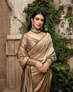 Asian Wedding Dress Pakistani, Pakistani Fancy Dresses, Desi Wedding Dresses, Indian Bridal Outfits, Indian Designer Outfits, Party Wear Dresses, Indian Dresses, Wedding Outfits, Bridal Dresses