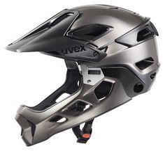 uvex jakkyl hde // This helmet has two faces: The new Mountainbike helmet uvex jakkyl hde can be transformed from a half shell helmet into a full face helmet in no time at all. A detachable chin protector made of laminated fibreglass makes it possible. Convenient features and a weight of only 630 grams will excite Enduro-bikers.