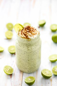 Get your dessert fix on a diet with chia seed pudding! These easy recipes include things like chocolate and caramel, but with the healthy benefit of chia seeds! Make these for a filling breakfast or savor them for a healthy dessert after dinner. Scones Vegan, Vegan Chia Seed Pudding, Chai Pudding, Key Lime Flavor, Real Food Recipes, Vegan Recipes, Easy Recipes, Blissful Basil, Desserts Sains