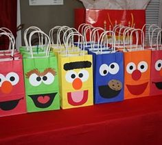 Sesame Street party - so cute! Too bad Beckam isn't as into Sesame Street as Peyten. Party Favors For Kids Birthday, First Birthday Parties, Boy Birthday, First Birthdays, Birthday Cupcakes, Birthday Ideas For Kids, Elmo Party Favors, Elmo First Birthday, Elmo Cupcakes