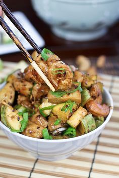 Zucchini, Mushroom and Cashew Chicken    This recipe here hardly qualifies as a chicken recipe… It's more like zucchinis and mushrooms with a few pieces of chicken. Still, it was simply perfectly good with all the huge chunks of courgettes, big pieces of mushroom and jumbo cashew nuts.  The flavor combination was just superb too…