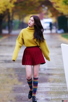 ioi, somi, and kpop image Jeon Somi, Kpop Fashion, Asian Fashion, Airport Fashion, Cosmic Girl, Kpop Mode, Kim Chungha, Purple Fashion, Kpop Outfits