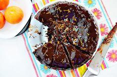 Sooo overload chocolate cake. Chocolate Fondue, Chocolate Cake, Desserts, Recipes, Blog, Chicolate Cake, Tailgate Desserts, Chocolate Cobbler, Deserts