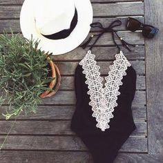 Lace bathing suit super cute for a one piece Look Boho, Look Chic, Style Outfits, Cute Outfits, Mode Style, Style Me, Classic Style, Style Feminin, Mode Inspiration