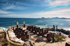 Sunset Da Mona Lisa in Cabo San Lucas offer one of the best view in town with the World famous Arch! Like here for Norman and Perla's wedding!