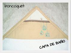 """La Capa de Baño Bebé, Colección """"JAULAS"""" de Boncoquét, es mullida y seca súper bien. De 100% algodón, no pierde su textura tras los lavados. Además como es extra grande (1mt x 1mt), podréis usarla hasta los 4-5 añitos!! Una muy buena opción para que tu bebé se sienta como en una nube de lo agradable que es! www.facebook.com/boncoquet"""