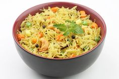 Indian breakfast recipes for kids are plenty, and they are healthy, tasty, and easy to make. So, why don't you check out our nutritious recipes? Semiya Upma, Indian Food Recipes, Ethnic Recipes, Indian Breakfast, Nutritious Meals, Kids Meals, Breakfast Recipes, Indian Meal, Curry