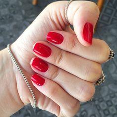 Feitas e sem filtro! ❤️ #redfever #unhadajulia #nails #nailpolish #nail #unha
