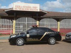 Macapá/AP - A Polícia Federal, em conjunto com a Controladoria Geral da União (CGU), deflagrou na manhã desta sexta-feira (14/10) a Operação Migalhas, com objetivo de investigar desvio de recursos q ...