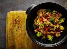 Chcete omezit příjem sacharidů? Potom jsou tyto recepty pro vás jako dělané :) Kung Pao Chicken, Low Carb, Ethnic Recipes, Food, Essen, Meals, Yemek, Eten
