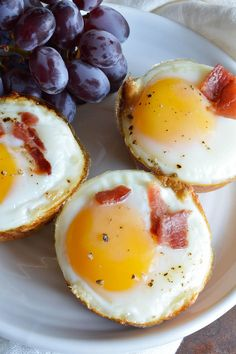 8. Bacon and Egg Breakfast Cups #greatist http://greatist.com/eat/3-ingredient-healthy-recipes