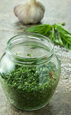 Herb Salt Fresh Herb Salt is a great way to preserve garden herbs. Last for months in the fridge. Herb Salt Recipe, No Salt Recipes, Whole Food Recipes, Spice Blends, Spice Mixes, Chutney, Homemade Seasonings, Lotion, Seasoning Mixes