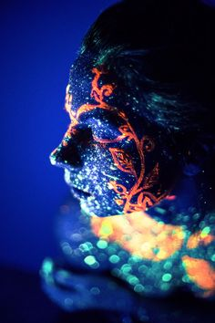 Awesome black light photography of colorful portraits of sky and stars colors using body paint art by khoroshavina #fashion #photography
