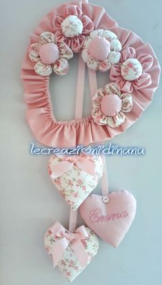 Hospital Door Decorations, Arts And Crafts Projects, Diy Crafts, Baby Boy Wreath, Baby Girl Items, Tulle Wreath, Baby Sewing Projects, Crochet Baby Shoes, Heart Crafts