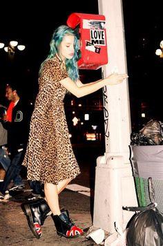 grunge fashion/90s/ Doc Martens/ U.k