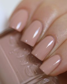 essie Spin the Bottle the perfect nude