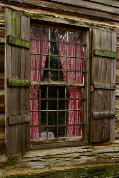 red gingham curtains wood and windows Old Windows, Windows And Doors, French Windows, Ventana Windows, Gingham Curtains, Country Curtains, Red Curtains, Camper Curtains, Short Curtains