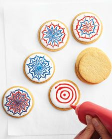 For maximum wow, vary the bursts' sizes and styles. We used sugar cookies, but any flat cookies will do. * Tools and Materials * Royal Icing in White, Red, and Blue * Plastic squeeze bottles or pastry bags * Fireworks Cookies Cookies Cupcake, Galletas Cookies, Cookie Icing, Iced Cookies, Royal Icing Cookies, Sugar Cookies, Cupcake Cakes, Cool Cookies, Cookie Decorating Party