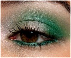 Duochromes + Jealousy Wakes Look I was just playing around, and I wasn't sure if I was going to post this, but some reader encouragement helped :) After Green Eyeshadow, Makeup For Green Eyes, Eyeshadow Ideas, Eyeshadow Makeup, Makeup Tips, Beauty Makeup, Hair Makeup, Makeup Products, Makeup Ideas
