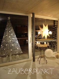 Made with Edding Windowmarker - Christmas Decorations & Holiday Decor All Things Christmas, Winter Christmas, Christmas Time, Clay Christmas Decorations, Holiday Decor, Christmas Templates, Deco Table, Xmas Tree, Christmas Inspiration