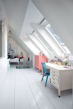 LOVE the windows in the ceiling wall. attic kids room - perfect place to create working corner, under the windows, because of the light