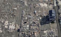 11 marzo 2011 Tsunami in Giappone Japan Earthquake, Earthquake And Tsunami, Al Qaeda, Fukushima, View Source, Heaven On Earth, Law Enforcement, City Photo