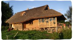 beautiful house created with natural building techniques my Earth, Hands and Houses. Website on natural building