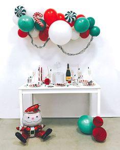 "Новогодний бокс для оформления праздника ""Green & Red"" 🎅🏻   Новый год 2020, new year party 2020, balloons, christmas garland Mirror, Cake, Furniture, Instagram, Home Decor, Xmas, Decoration Home, Room Decor, Mirrors"