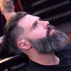 If my hair wasn't so thick and would lay down like his… – coiffures et barbe hommes Grey Beards, Long Beards, Long Beard Styles, Hair And Beard Styles, Badass Beard, Epic Beard, Beard Cuts, Beard Haircut, Hair Trends