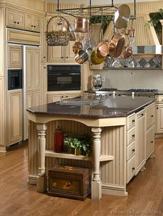 #Kitchen of the Day: Antique Kitchens.