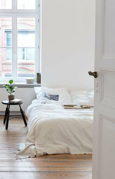 This is how i picture my room to be when i move in with my boyfriend. Simple.