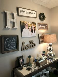 48 Easy Diy Farmhouse Living Room Wall Decor Ideas – Page 6 of 48 – Decorating Ideas – Home Decor Ideas and Tips Deco Champetre, Decoration Entree, Farmhouse Wall Decor, Rustic Decor, Rustic Style, Rustic Signs, Farmhouse Style, Farmhouse Ideas, Fresh Farmhouse
