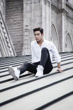 Choi Seung Hyun aka T.O.P on Check it out! Btob, Cnblue, Daesung, Top Bigbang, Big Bang Top, 2ne1, Yg Entertainment, Vixx, Shinee